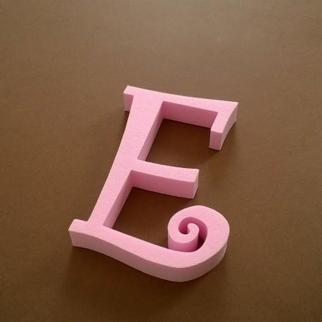 """""""E"""" dekorációs betű a TWISTY termékcsaládból."""