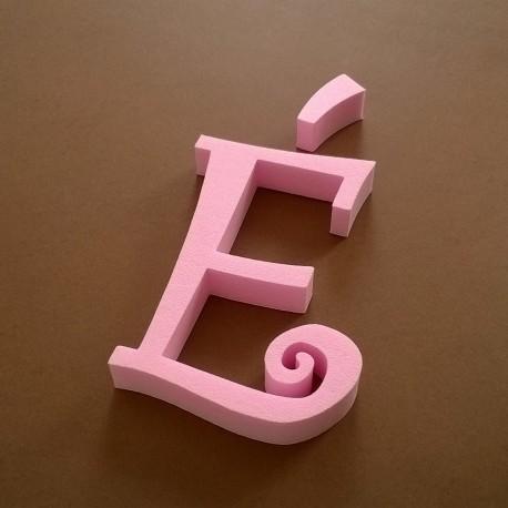 """""""É"""" dekorációs betű a TWISTY termékcsaládból."""