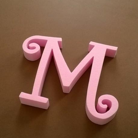 """""""M"""" dekorációs betű a TWISTY termékcsaládból."""