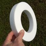 22cm / 13cm méretű, gyűrű alakú hungarocell koszorú alap.