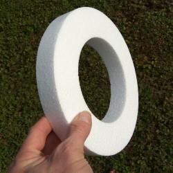 25cm / 16cm méretű, gyűrű alakú hungarocell koszorú alap dekorációkhoz.