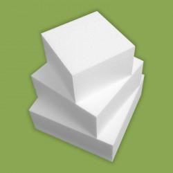 Három emeletes, négyzet alakú hungarocell demo torta